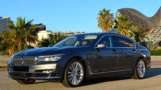 bmw 7 of the limousine rental in barcelona