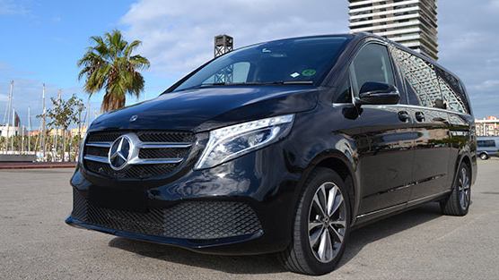 mercedes v class of the limousine rental in barcelona